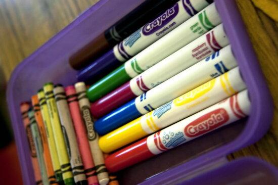 petits, ensemble, des crayons, des sept, différent, de couleur, lavable, marqueurs