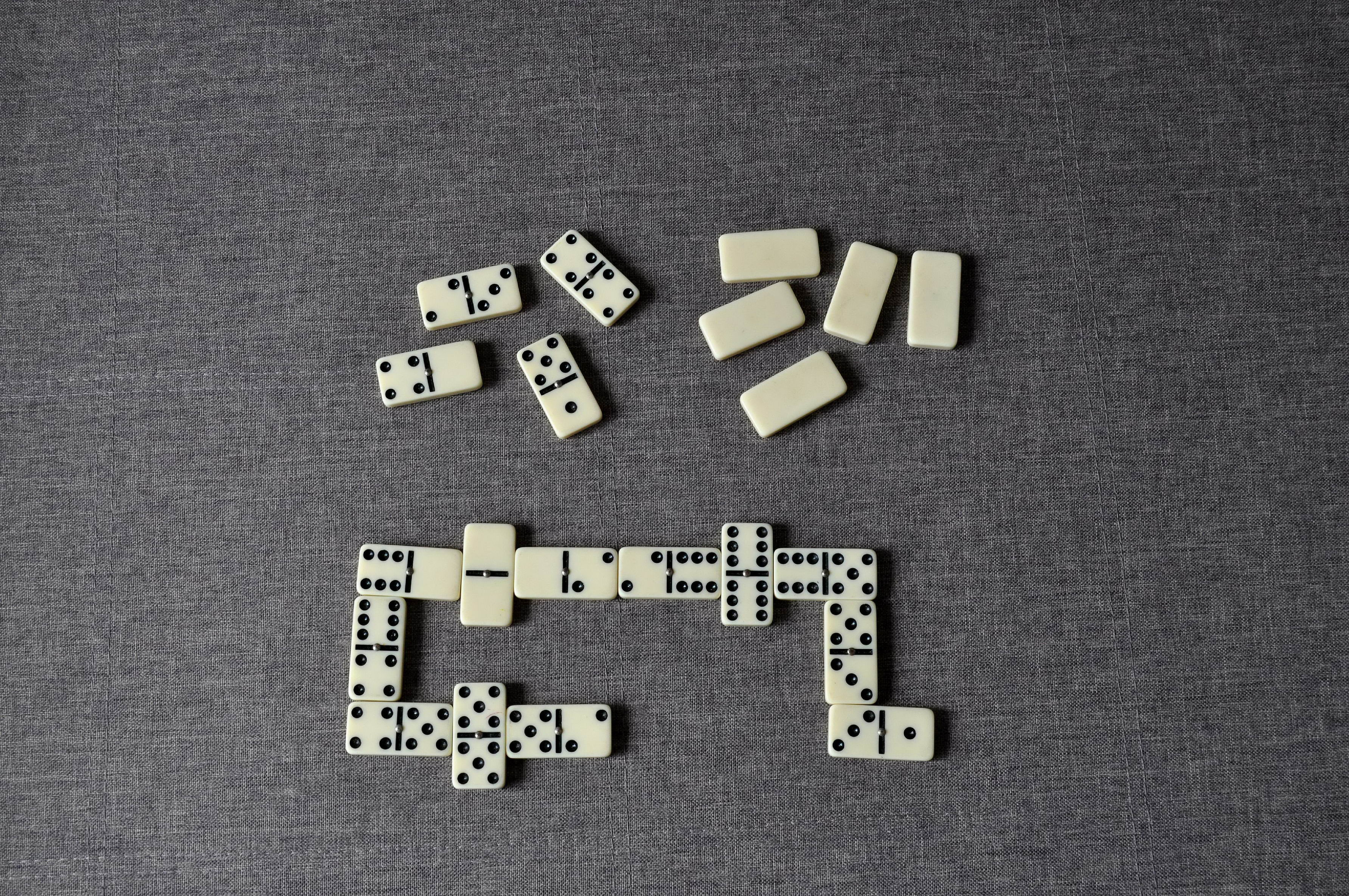 Free photograph; play, dominoes