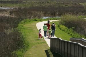 Familie genießen, gemächlich, Spaziergang