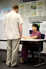 Ασια, Αμερικανικά, γυναίκα, συνεδρίαση, γραφείο, γραφείο, μιλάμε, Καυκάσιος, ο άνθρωπος