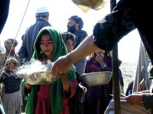 Afghanistan, girls, receive, warm, food
