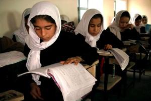 Afganistan, Samangan, school girls