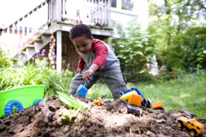 Afro-américaine, les enfants, jouer, à l'extérieur