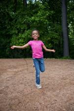 Afro-américaine, fille de l'école, jouer, cour