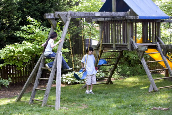 brown, haired, brother, sister, children, play, back, yard