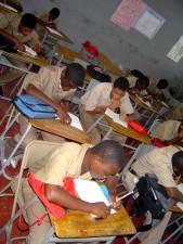 salle de classe, les garçons, étudier