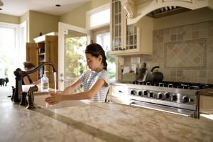 niedlich, junges Mädchen, Küche