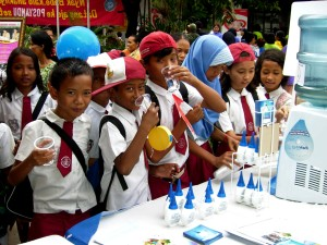 safe, water, day, school kids, Indonesia, water, treated, chlorine, based, water, treatment, solution
