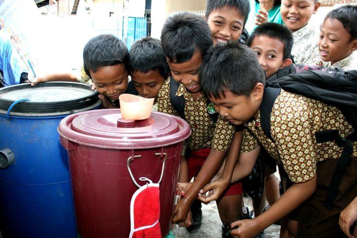 környezetvédelmi, szolgáltatások, program, segített, helyi, activits, tiszta víz, újrahasznosítás