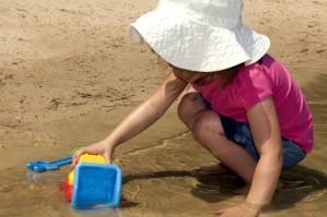 meisje, play, kunststof, speelgoed, water