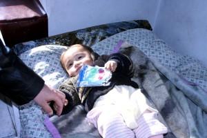 bebé, recibe, cuidado de la salud