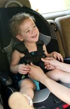 Ibu, mengamankan, menyesuaikan, putri, kursi mobil