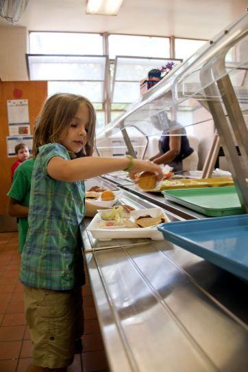 škola djevojka, izabran, čili, taco, čips, parena brokula