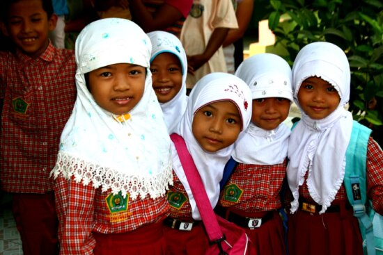 six, grade, girls, students, Indonesia, young, Indonesian, girs, face, close
