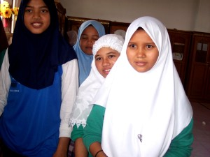 boarding, school, students, Dayah, Terpadu, Inshafuddin, receive, broad, based, education