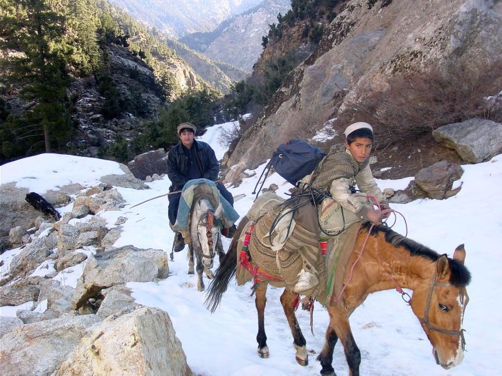 two, Afghanistan, boys, travel, safely, rough, snow, covered, terrain