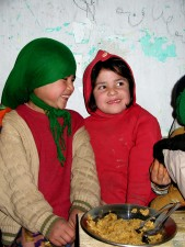 jeunes filles de manger, de nutrition, repas