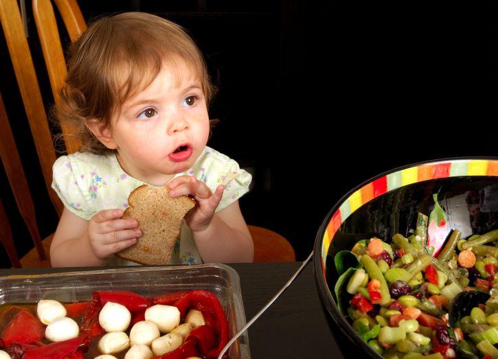 billede, ung pige, siddende, middag, tabel