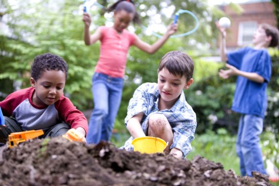 two, CaucAsian, two, African American, children, play, together