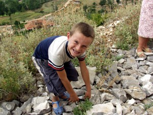 ung gutt, demonstrasjon, metoden, samle, hjelpe