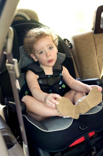 young female, child, back, seat, car