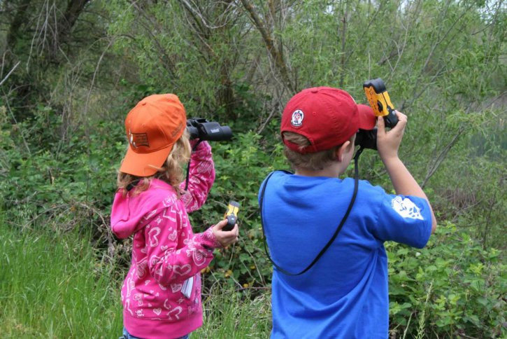 youth, participate, docent, led, hike, featuring, wildlife, viewing