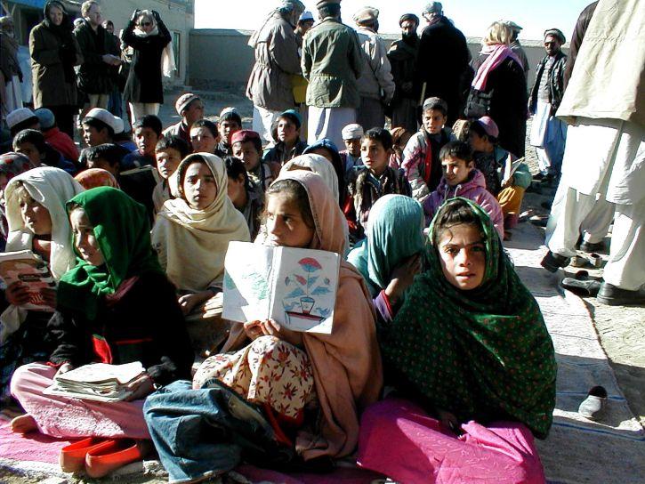 afghanistan, girls, outdoor, class, scene