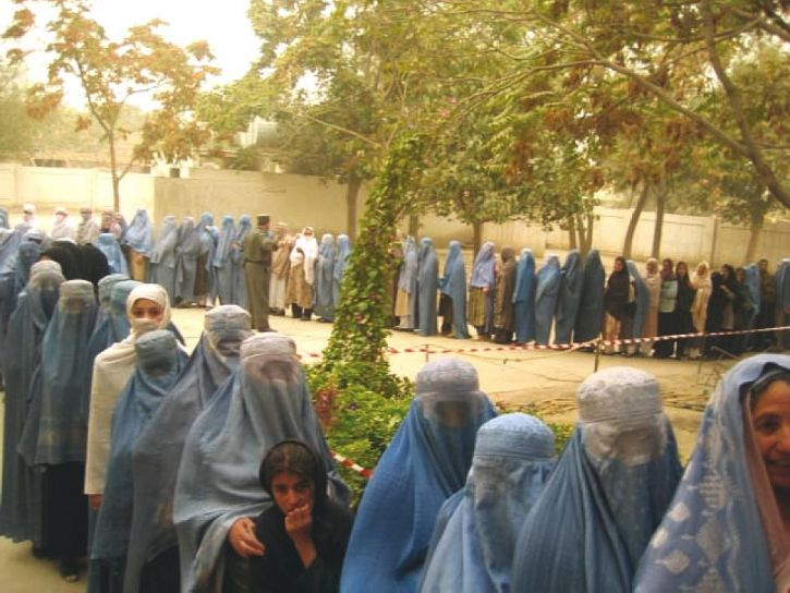 Afghanistan, kvinner, stativ, linje, stemme