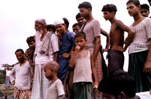 regroupement, du Bangladesh, les villageois