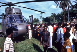 helicopter, landed, transporting, investigators, Yambuku, Zaire