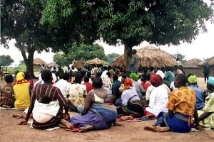 hombres, mujeres, niños, reunión, pueblo, rural