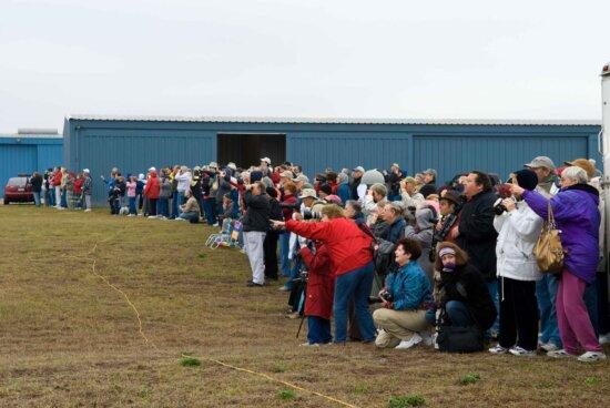 observers, crowd