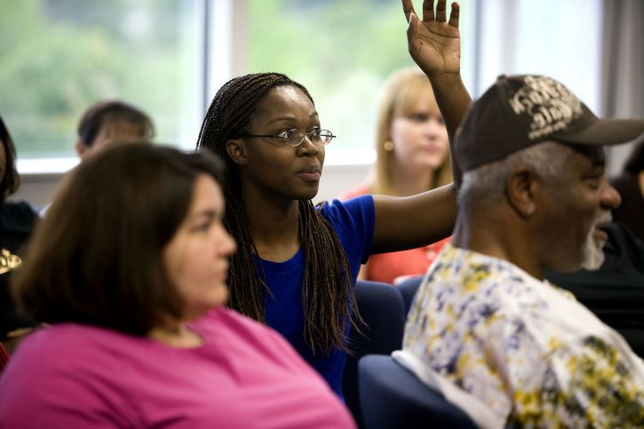 raising, hand, pose, question, African American, woman, one, attendees