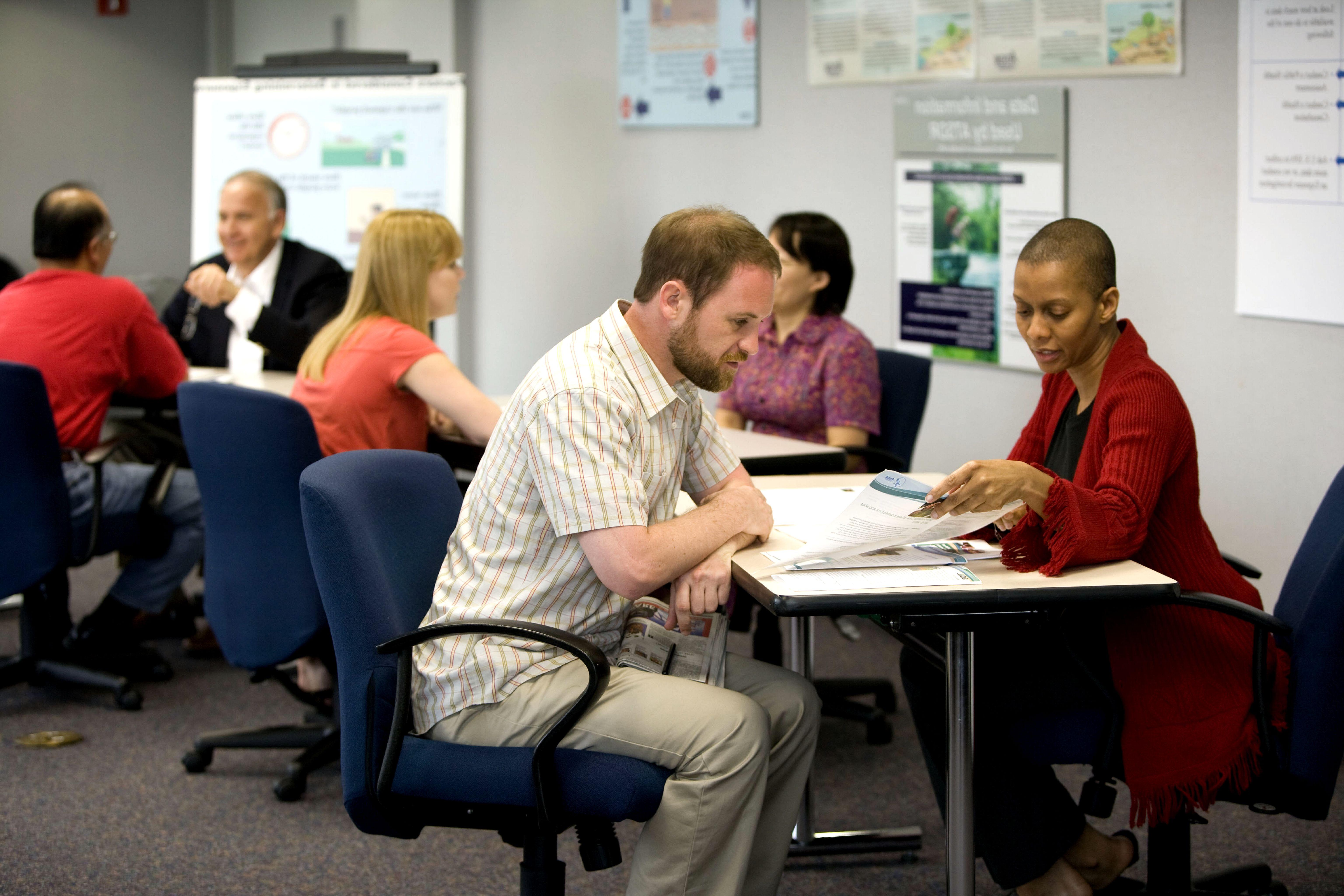 Foto Lavoro Ufficio : Lo stress da lavoro colpisce di più chi svolge la propria attività