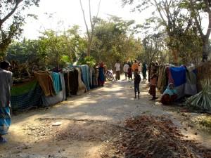temporanee, rifugi, costruiti, gli abitanti dei villaggi, Naltona, unione, Barguna, Sadar, Upazila, Barguna, Bangladesh