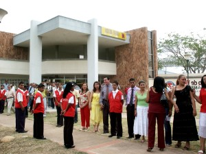 neighorhood, assembles, entrance, inaugurate, casa, Justicia, Nevada, Colombia