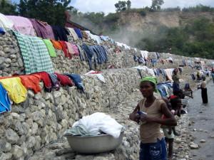villageois, lavage, vêtements, manger, ustensiles