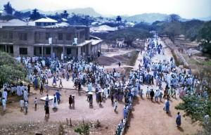 med utsikt over, publikum, folk, gater, Dekina, Nigeria