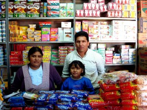 family, run, food, stall, Bolivia, rebuilds, fire, microcredit, firms, support