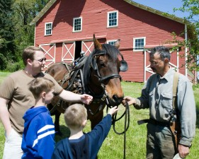 farmer, talking, people, front, farmer, house, horse