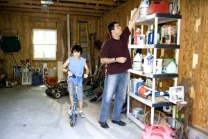 баща, син, гараж