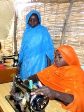 cours, Kalma, camp, au Soudan, d'introduire, les femmes, la couture