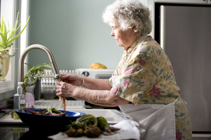 elderly, woman, kitchen, process, food, preparation