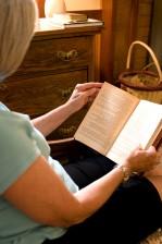 femme, lecture, livre, maison