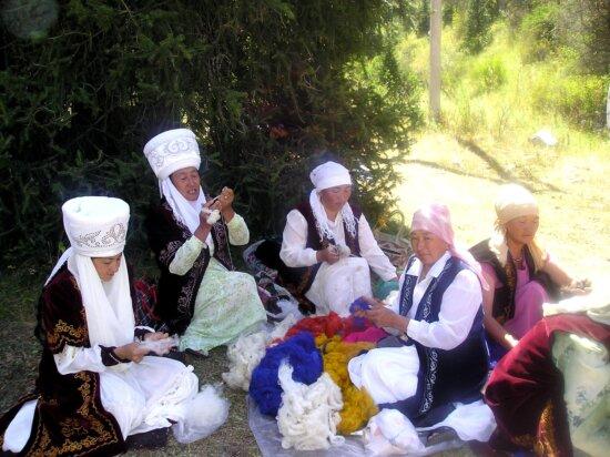 females, traditional, blue, Kyrgyz, jacket, busily, prepare, wool, handmade, carpets