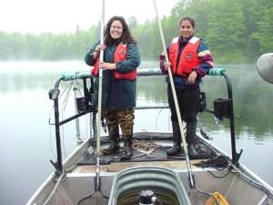 femelles, bateau, stockage, poissons