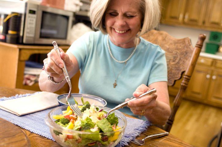 happy, woman eating, vegetable, salad
