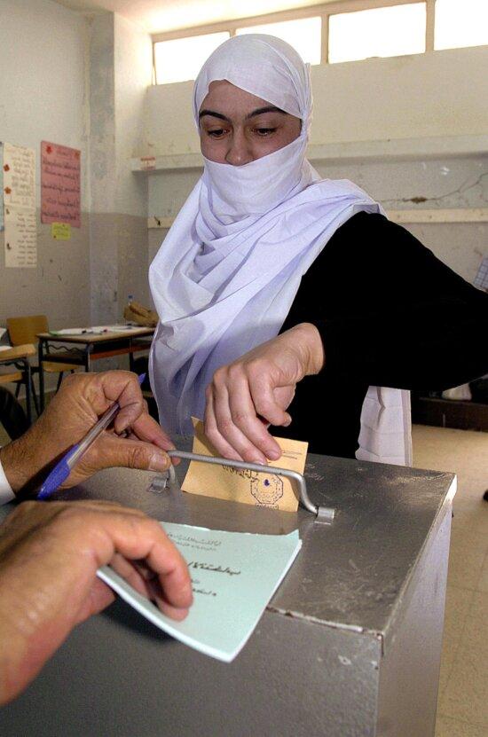 Lebanon, election, woman, voting
