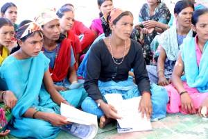 Nepal, las mujeres, el aprendizaje, leen