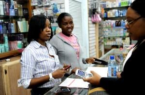 nouveau, mobile, services bancaires, client, signes, mobile, banque, supermarché